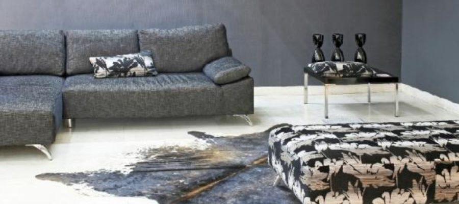 Piękne i wytrzymałe – dywany skórzane